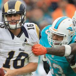 Jared Goff: Rams rookie shows promise, inexperience in debut loss to Dolphins