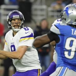 Sam Bradford: Interception gives Lions win on Thanksgiving