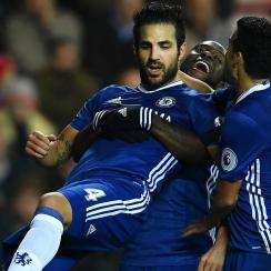 Chelsea beats Sunderland to extend its lead atop the Premier League
