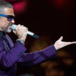 george michael tribute by sunderland fans (video)
