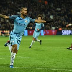 Gabriel Jesus scores for Manchester City vs. West Ham