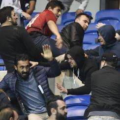 Lyon, Besiktas fans clash at a Europa League match