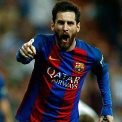 Lionel Messi wins El Clasico for Barcelona