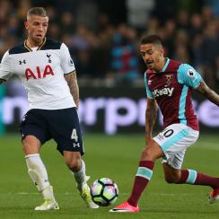 Manuel Lanzini scores for West Ham vs. Tottenham