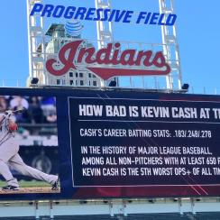 Terry Francona pranks Kevin Cash (photo)