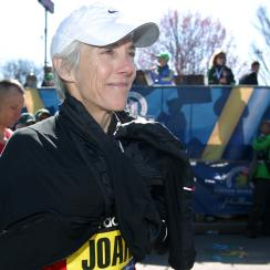 joan benoit samuelson chicago marathon 60 years old