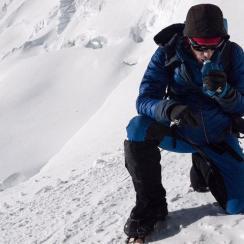 kilian jornet climbs mount everest 26 hours
