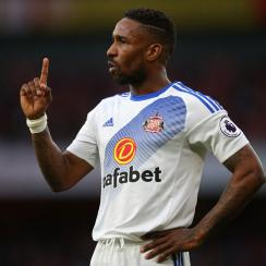Jermain Defoe signs with Bournemouth
