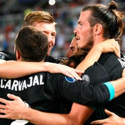 Real Madrid scores against Manchester United in the UEFA SuperCup