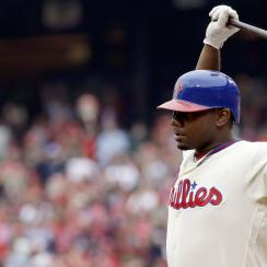 Ryan Howard agrees to minor league deal with Rockies