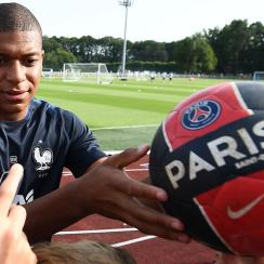 Kylian Mbappe joins PSG on loan from Monaco