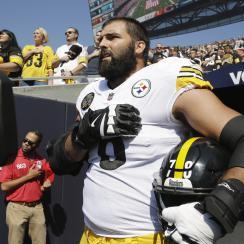 Alejandro Villanueva jersey sales best in NFL after anthem move