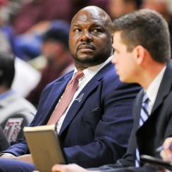 College basketball coaches Chuck Person, Lamont Evans arrested in corruption case