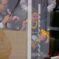 Penguins fan gets signed stick from Phil Kessel (video)
