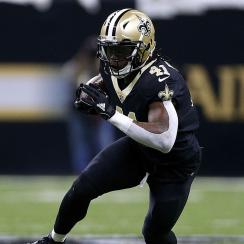 Alvin Kamara #41 of the New Orleans Saints runs with the ball during the NFC Wild Card playoff game against the Carolina Panthers at the Mercedes-Benz Superdome on January 7, 2018 in New Orleans, Louisiana. (Photo by Jonathan Bachman/Getty Images)