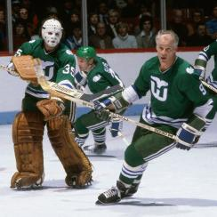 Hartford Whalers license plates to fund dialysis center
