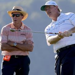 David Leadbetter watches Ernie Els prior to the 2016 U.S. Open at Oakmont.