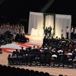 A couple that met at the Hawks' Swipe Right Night got married on the court of Philps Arena.