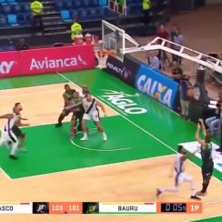 Buzzer beater by Brazilian basketball player (video)
