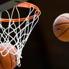 man-pretends-high-school-basketball