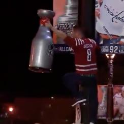 capitals-fans-celebrate-stanley-cup