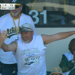 Oakland A's fan catches two foul balls (video)