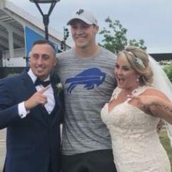 Josh Allen: Bills rookie crashes fan's wedding photos