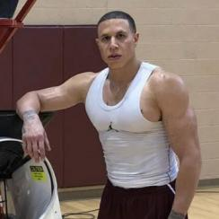 Mike Bibby now looks jacked: Photo of ex-NBA guard