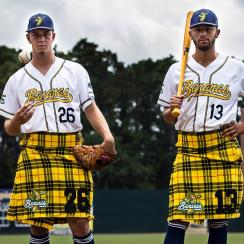 Savannah Bananas baseball team wears kilts (photo, video)