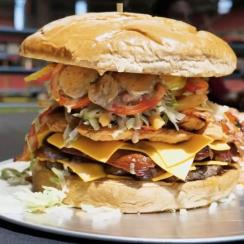Arizona Cardinals' seven-pound, $75 burger (video)
