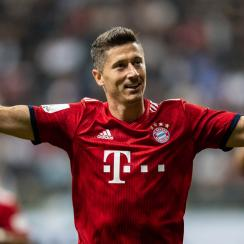 Robert Lewandowski returns to Bayern Munich after uncertainty over his future