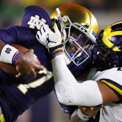Brandon Wimbush leads Notre Dame past Michigan, Irish adjust playoff hopes