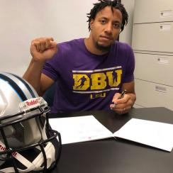 panthers sign eric reid