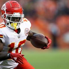 tyreek hill responds to schwartz race challenge