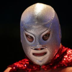 Lucha libre: Stamford man stops robbery with wrestling move