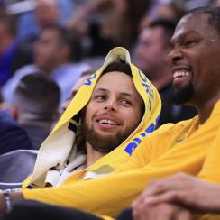 Stephen Curry: Moon landing was fake, Warriors G says