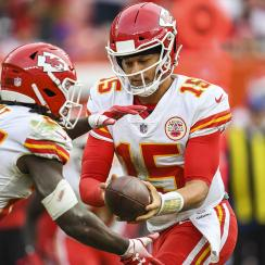 Patrick Mahomes talks Hunt signing with Browns