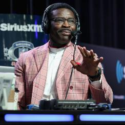 Michael Irvin tested for possible throat cancer