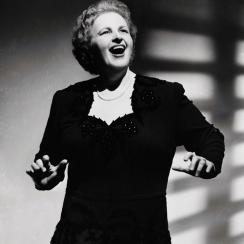 Yankees drop Kate Smith's God Bless America