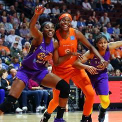 WNBA: JUN 06 Los Angeles Sparks at Connecticut Sun