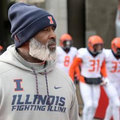 Illinois football: Brandon Peters, transfers may lift Lovie Smith
