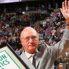 Bob Cousy awarded Presidential Medal of Freedom