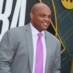 Charles Barkley: Sixers legend jokes about statue (video)