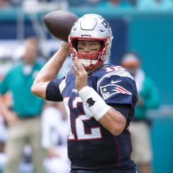 Tom Brady limited in practice