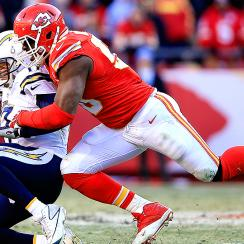 NFL Week 17: Justin Houston short of sack record; Miami Dolphins D collapses