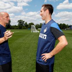 Steve Nash (right) practiced with Esteban Cambiasso and the rest of Inter Milan on Tuesday.