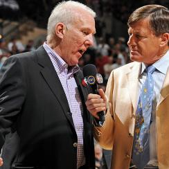In his role as TNT sideline reporter, Craig Sager (right) often interviews Spurs coach Gregg Popovich.