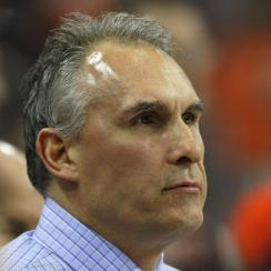 Philadelphia Flyers' head coach Craig Berube during warm-ups prior to the start of an NHL hockey game Thursday, April 9, 2015, in Philadelphia. (AP Photo/Tom Mihalek)
