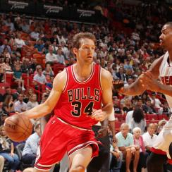 MIAMI, FL - APRIL 9: Mike Dunleavy #34 of the Chicago Bulls drives to the basket against the Miami Heat during the game on April 9, 2015 at AmericanAirlines Arena in Miami, Florida. (Photo by Oscar  Baldizon/NBAE via Getty Images)