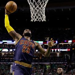 LeBron James becomes NBA's all-time leading playoff scorer, passes Michael Jordan IMAGE
